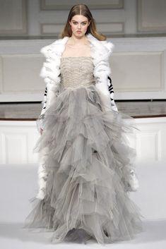 Oscar de la Renta Fall 2011 Ready-to-Wear Collection Photos - Vogue