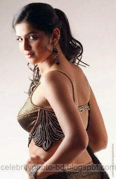 http://www.smartrena.com/hot-indian-actress-deeksha-seth-photos/
