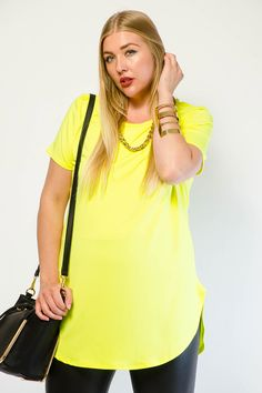 EXCLUSIVE SOLID CHAIN TOP $19.99