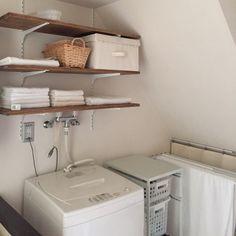 洗濯機上をナチュラルな棚でおしゃれに