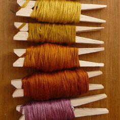 Clothes peg embroidery floss organiser / 15 situaciones con las que los crafters pueden identificarse