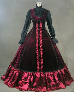 Victorian Ball Gown Steampunk   I just would like to have this little number for the quieter times in life...to wear to work, the grocery store, you know, that sort of thing. ;-)