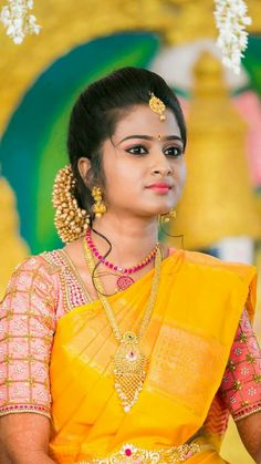 67 ideas for fashion 2018 trends yellow Bridal Silk Saree, Saree Wedding, Silk Sarees, Marathi Wedding, Wedding Bride, Indian Bridal Hairstyles, Bride Hairstyles, Fashion 2018 Trends, Fashion Ideas