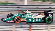 Gerhard Berger, Benetton B186 with harlequin painted sidewalls, 1986 Detroit GP