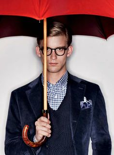 Autumnal Classic–Italian label Canali enlists American model RJ King for a look at their fall/winter 2012 collection. Highlighting sharp lean silhouettes and a… Only Fashion, Look Fashion, Mens Fashion, Stylish Men, Men Casual, Rj King, Under My Umbrella, Red Umbrella, Velvet Jacket
