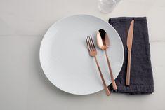 De Sambonet Rock collectie doet zijn naam eer. Met de besteksets uit de Sambonet Rock collectie ben je namelijk verzekerd van iets unieks en opvallend op tafel. Bekijk de collectie op Cookinglife! Plates, Tableware, Licence Plates, Dishes, Dinnerware, Griddles, Tablewares, Dish, Place Settings