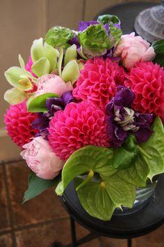 Bouquet de fleurs aux notes colorées / Flower bouquet - pink, purple and green colours