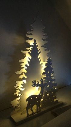 29 Interesting Christmas Lights Apartment Decorating Ideas And Makeover. If you are looking for Christmas Lights Apartment Decorating Ideas And Makeover, You come to the right place. Colored Christmas Lights, Best Christmas Lights, Decorating With Christmas Lights, Outdoor Christmas Decorations, Rustic Christmas, Christmas Art, Snowman Decorations, Fairy Lights, Decorating Ideas