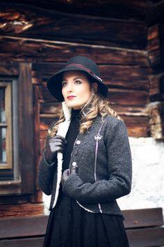 Frauen Jacken, Blazer & Mäntel - Trachten Jacken Mirabell Plummer Blazer, Mantel, Riding Helmets, Jackets For Women, Costumes, Hats, Fashion, Jackets, Breien