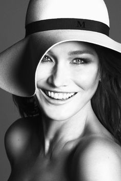 Carla Bruni-Sarkozy beauty in hat