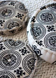 Pillows for round garden chairs
