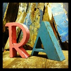 Ruth y Alberto ... #justmarried #woodletters @the font hunter