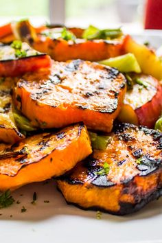 This grilled sweet potato recipe with apples, scallions and honey-lime is a delicious, vibrant, healthy side for any BBQ or summer meal, served warm or room temperature. And a perfect make-ahead dish for potluck. Side Dish Recipes, Veggie Recipes, Vegetarian Recipes, Cooking Recipes, Healthy Recipes, Apple Recipes, Summer Vegetable Recipes, Sweet Potato And Apple, Sweet Potato Recipes