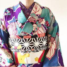本日のお題は「やっぱりアンティークが好き」です。 #着物#きもの#キモノ#和服#和装 #着物コーディネート#kimono #japanesekimono #japanfashion #みゆきもの201804 #趣着物 Japanese Outfits, Basic Outfits, Japanese Fashion, Modern Kimono, Wedding Kimono, Japanese Beauty, Yukata, Kimono Top, Kimono Style
