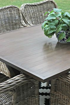 Outdoor metal wood grain finish table makeover with gel stain