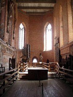 Photo Tour of Malbork Castle: Malbork Castle - Church of Our Lady Photo Malbork Castle, Church Of Our Lady, Templer, Grand Entrance, Light Art, Castles, Medieval, Photo Galleries, Europe