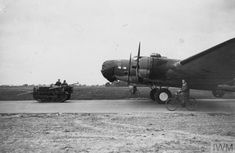 Air Force Bomber, Usmc, Ww2, Britain, Fighter Jets, Aircraft, History, Vehicles, Pista