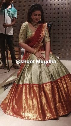 Lehenga Saree Design, Half Saree Lehenga, Pattu Saree Blouse Designs, Lehnga Dress, Blouse Designs Silk, Bridal Blouse Designs, Bridal Lehenga Choli, Saree Look, Lehenga Designs