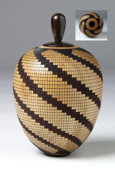 Wooden Art, Wooden Bowls, Wood Turning Projects, Lathe Projects, Pottery Painting Designs, Glass Photography, Basket Crafts, Chip Carving, Woodworking Inspiration