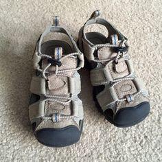 Boys sandals Light grey boys sandals size 8 Toddler Jumping Bean Shoes Sandals