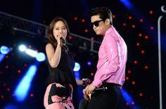 "Singer Baek Ji Young and Taecyeon performed their duet song in L. Korean superstars Baek Ji Young and Taecyeon from performed their duet song, ""My Ear's Candy"" on April 12 at the L. Baek Ji Young, Superstar, Korea, Singer, Kpop, Concert, Tags, Singers, Concerts"