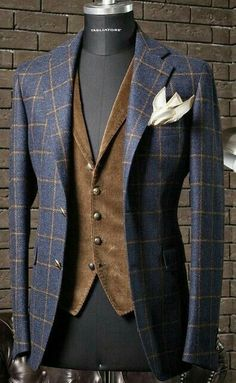 """everybodylovessuits: """" So here's another one of those Love it but don't know when and where to use it pieces. I think this is from Tagliatore, they make some awesome but at the same time weird stuff """" Mens Fashion Suits, Mens Suits, Fashion Outfits, Style Fashion, Sharp Dressed Man, Well Dressed Men, Traje Casual, Mode Costume, Stylish Mens Outfits"""