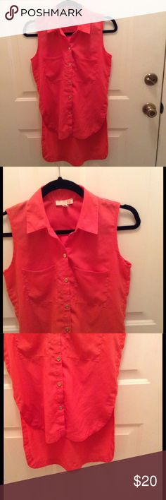 GB Sleeveless Hi-Low Blouse This dark melon top from Dillard's has a gold button front closure, is lightweight, and has 2 front top flat pockets.  The chest is 36 inches and the front is 25 inches long & the back is 32 inches long.  100% Polyester. GB Tops Blouses