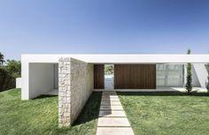 House in Valencia by Gallardo Llopis Arquitectos | HomeAdore