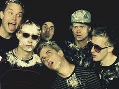 Green Day and Blink 182 pop punk disaster! Blink 182, Great Bands, Cool Bands, Chica Punk, Jason White, Tom Delonge, Mayday Parade Lyrics, Travis Barker, The Amity Affliction