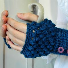 Puff Stitch Fingerless Gloves Crochet Pattern {Fits ALL Sizes}