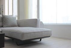 ソファー HUKLAのカウチソファー Lounge, Couch, Furniture, Home Decor, Diy Furniture, Chair, Airport Lounge, Settee, Lounge Music