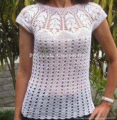 Stupendo sprone usato per questa maglietta , che potrebbe essere utilizzato anche per un abito.