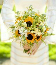 Sunflowers + cream bridal bouquet