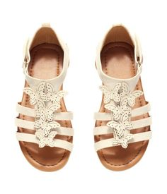 Sandals with decorative butterfly appliqués, Velcro tab fastener, and rubber soles. H&m Online, Gladiator Sandals, Fashion Online, Baby Shoes, Casual, Clothes, Butterfly, Detail, Wedding