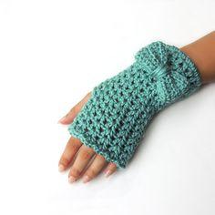 Crochet Fingerless gloves fingerless mittens Bow by JPwithLove