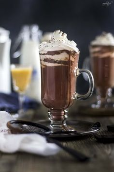 Yummy Drinks, Delicious Desserts, Chocolates, Coffee Maker Machine, Can I Eat, Coffee Love, Hot Chocolate, Chocolate Marshmallows, Nutella