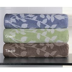 @Overstock - Enliven your bathroom decor with this Martika bath towel set. These towels showcase a lovely yarn-dyed jacquard floral design. http://www.overstock.com/Bedding-Bath/Martika-Cotton-Jacquard-Floral-6-piece-Bath-Towel-Set/5745111/product.html?CID=214117 $42.99