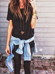 Street Style: A moda é amarrar na cintura. Vá de camisa mais com estilo.
