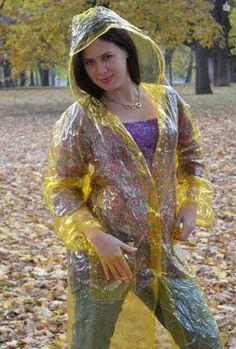 Lenka - pláštěnka 2 – cz-rainbal – album na Rajčeti Vinyl Raincoat, Pvc Raincoat, Plastic Raincoat, Yellow Raincoat, Imper Pvc, Rain Bonnet, Transparent Raincoat, Pvc Vinyl, Latex Girls