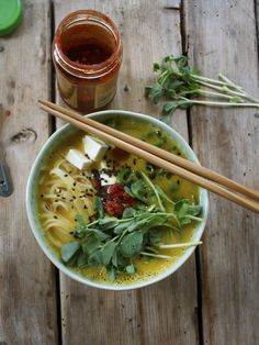 10 Minute Meal: Butternut Squash Ramen Bowl with Rice Noodles, Tofu & Fresh Pea Shoots - in pursuit of Quick Healthy Meals, Quick Recipes, Asian Recipes, Soup Recipes, Vegetarian Recipes, Easy Meals, Cooking Recipes, Healthy Recipes, Healthy Ramen