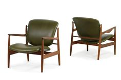 Amazing Pair of 1950s Finn Juhl Lounge Easy Chairs Mod. FD 136 Teak and Leather 2