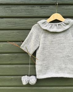 2 typer af picot kanter og en (virkelig!) nem måde at slå masker op på – Frk Garn Diy Knitting Clothes, Knitting Yarn, Baby Knitting, Kids Knitting Patterns, Knitting For Kids, Crochet Bebe, Knit Crochet, Brother Knitting Machine, Cardigan Pattern