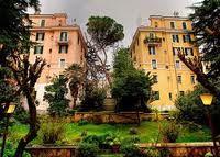 Houses in Monteverde Vecchio, Rome Monteverde, Rome, Mansions, House Styles, Houses, Home Decor, Ladders, Cities, Paisajes