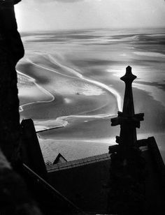 Willy Ronis - Mont Saint Michel, 1946.