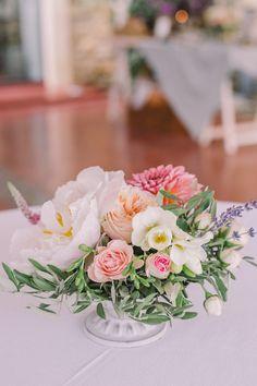 Un mariage au Mas de So par Monsieur+Madame (M+M). Thème Provence Chic dans les tons pastels & lavande. ©Cédric Dendoune www.monsieurplusmadame.fr
