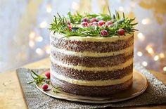Naked gingerbread wreath cake