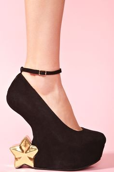 These are literally the perfect Christmas party shoes!