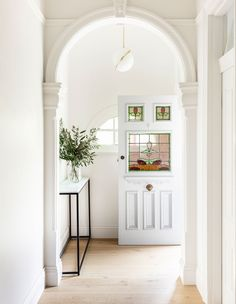 Edwardian House, Victorian Homes, 1950s House, Interior Architecture, Interior Design, Hallway Designs, Villa, Australian Homes, House Entrance