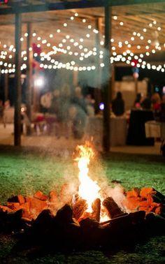 Super Wedding Reception Outdoor Night Fire Pits Ideas Outdoor Wedding Reception, Reception Party, Wedding Backyard, Wedding Bonfire, Outdoor Weddings, Reception Ideas, Autumn Wedding, Speakeasy Wedding, Camping Wedding
