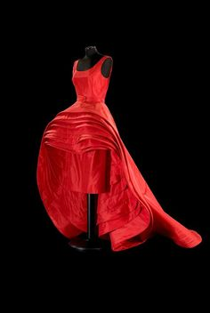 Roberto Capucci, Nove gonne (Nine Dresses) Dress, silk taffeta (N.39).